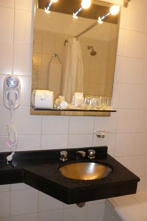 Exe Hotel Colon: Baño