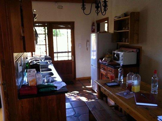 10 Alexander: Kitchen