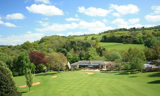 Charlton Kings, UK: Clubhouse & 18th Green