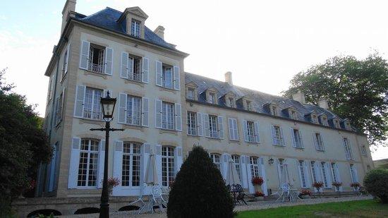 Chateau du Baffy: El hotel por fuera