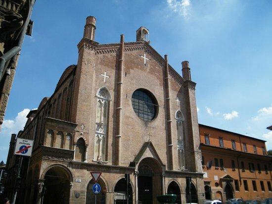 https://media-cdn.tripadvisor.com/media/photo-s/04/77/e4/a5/chiesa-di-san-giacomo.jpg