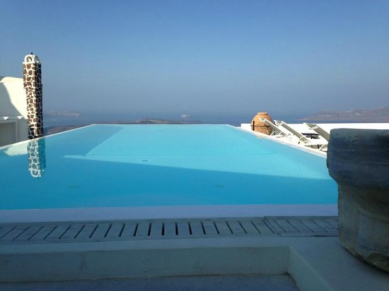 The Tsitouras Collection Hotel: Infinity pool