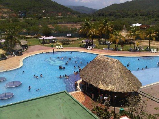 Nueva toledo suites hotel desde 819 cuman venezuela for Piscina 94 respuestas