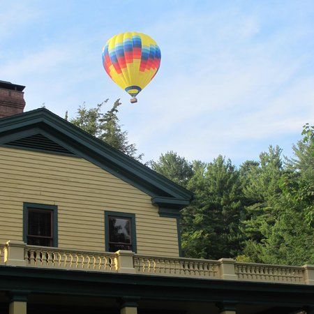 Glen Iris Inn balloons were going over the Inn