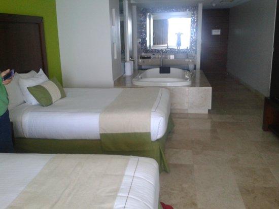 Azul Ixtapa Grand Spa & Convention Center : oda gorunumu
