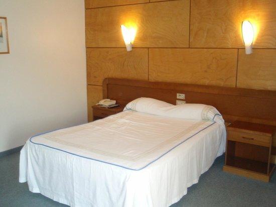 Hotel Colon Tuy: habitacion