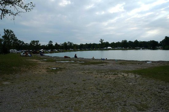Windmill Point Park & Campground: pond