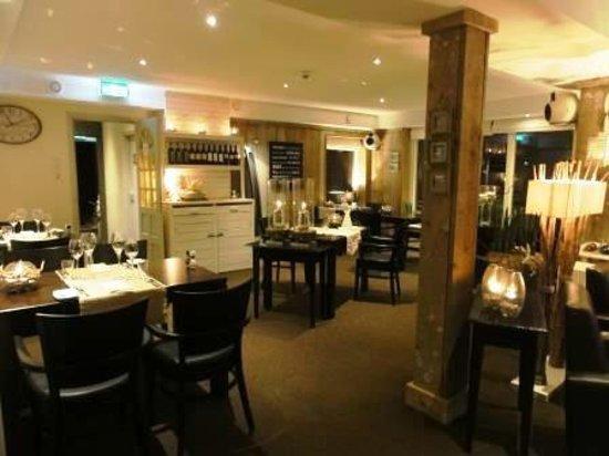 De Zwaluw Hotel-Bar-Appartementen: Restaurant