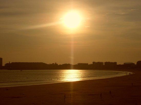 BEST WESTERN Les Roches Noires: Coucher de soleil vu du balcon