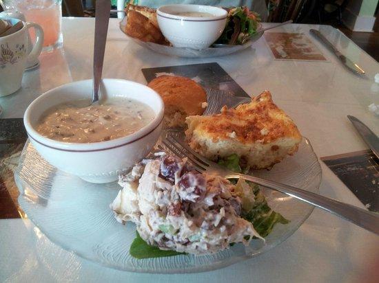 Ruby Lena's Tea Room & Antq: Sampler lunch