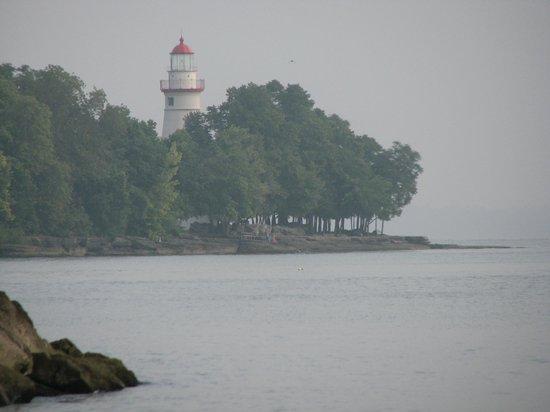 Lake Point Motel : Marblehead Lighthouse