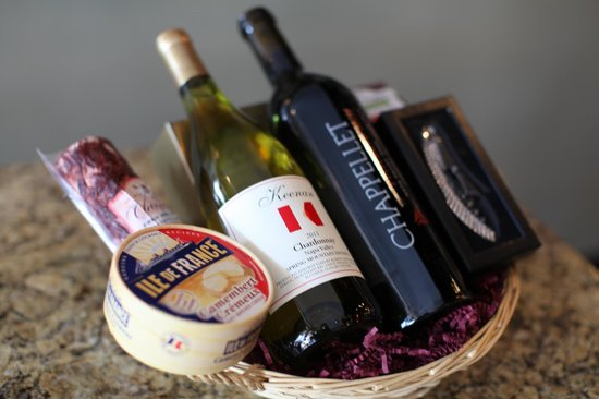 Wine A Bit Coronado: We customize Basket for the perfect Gift!