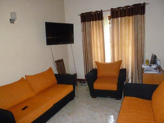 Samagi Guest House & Cottage : living room