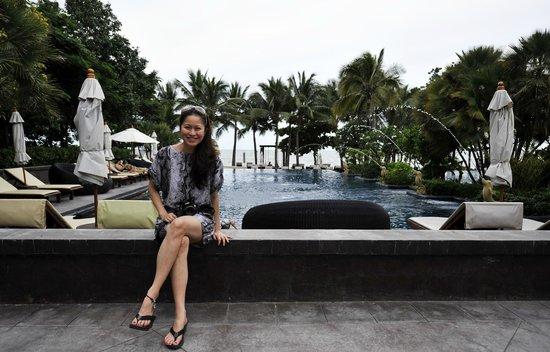 Asara Villa & Suite: Pool area