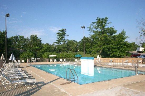 Rough River Dam Lodge State Resort Park S Pool Lakeview