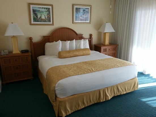 The Charter Club Of Marco Beach: New Remodeled Master Bedrooms