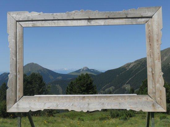 """la cornice al sentiero """"RespirART""""...Baita Caserina-Alpe di Pampeago"""