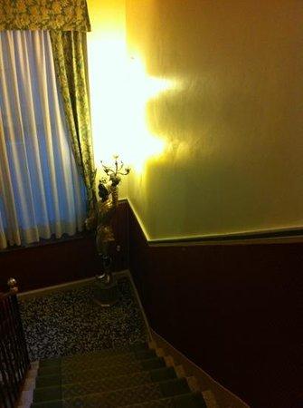 Centauro Hotel: Scala ingresso