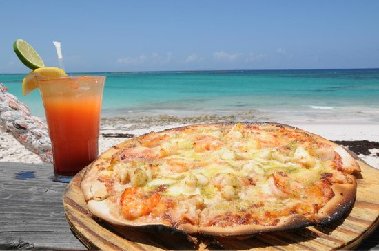Pineapple Fields Resort: Arguably the best pizza on Eleuthera.