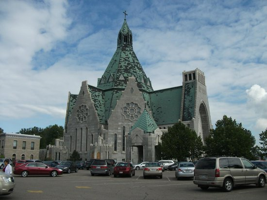 Sanctuaire Notre-Dame-du-Cap : le sanctuaire
