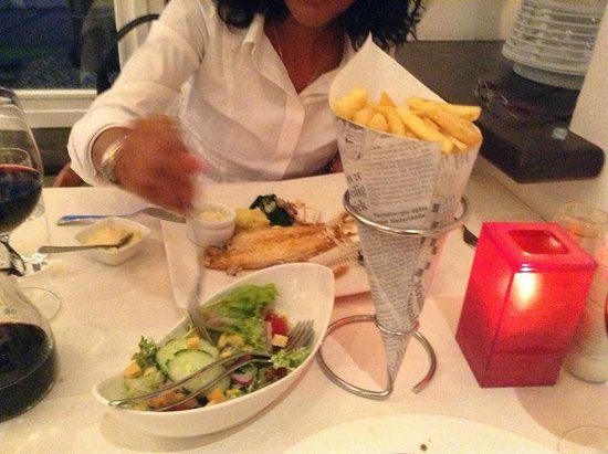 Hotel Herbergh Amsterdam Airport: Lovely salad and frites