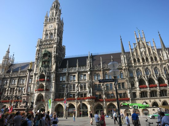 marienplatz picture of hilton munich park munich tripadvisor. Black Bedroom Furniture Sets. Home Design Ideas