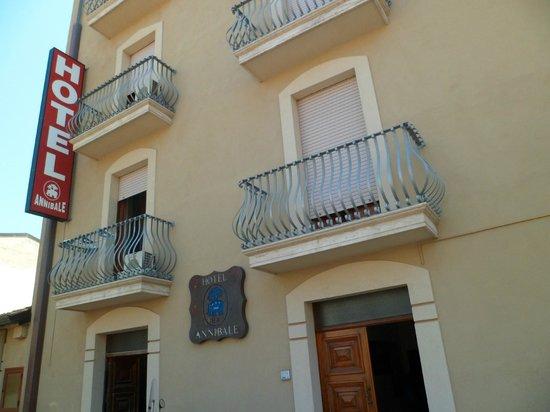 Hotel Annibale: FACCIATA HOTEL