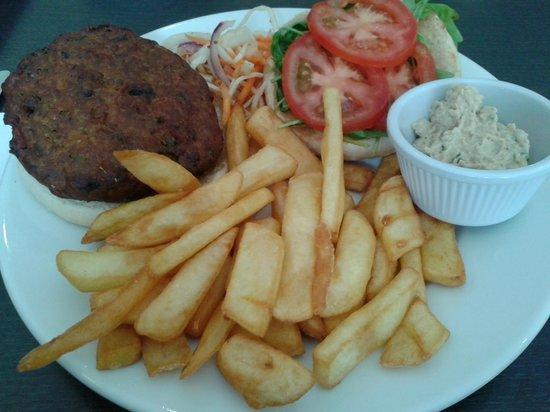 Riverview Restaurant: Veggie burger, chips, and 'Vegan goddess dressing'