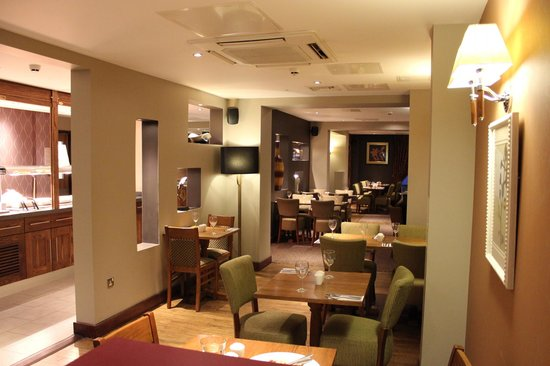 Premier Inn London Ealing Hotel: La sala ristorazione