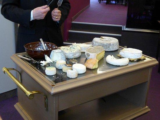 Restaurant Jean-Michel Couron: le chariot des fromages