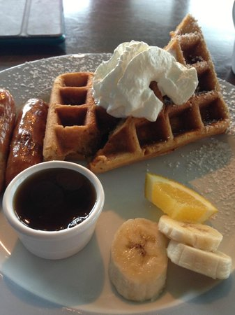 Topside Inn: Breakfast at Topside: sweet potato waffles and sausage, delicious