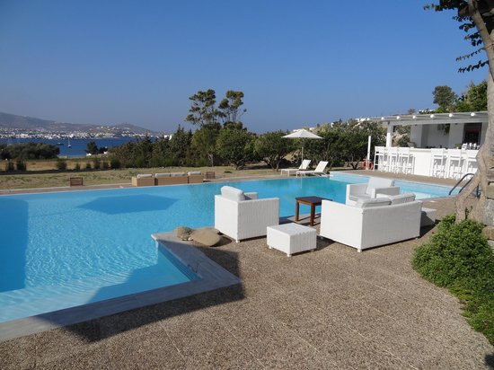 Roses Beach Hotel: Piscine et bar