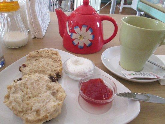 The Tea Cosy : Afternoon cream tea at a gem of a tea shop