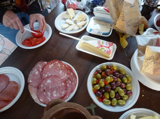 Hotel Il Bargellino: Tapas from a local market