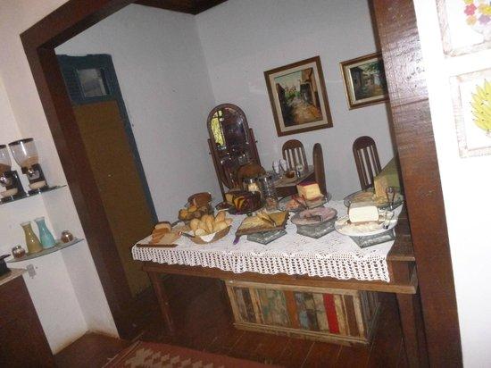 Pousada Rio Dos Cristais: cafe da manha