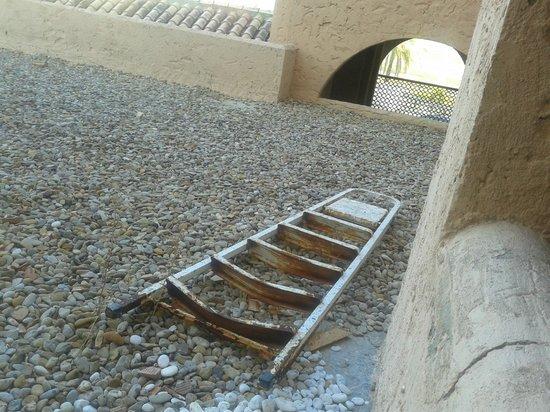 Bahia Sur Hotel: Escaleras viejas en las terrazas