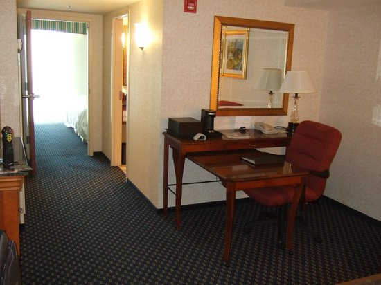 Chicago Marriott Southwest at Burr Ridge: My suite the following day