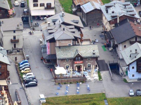 Hotel Centro's: Veduta dalla montagna di fronte