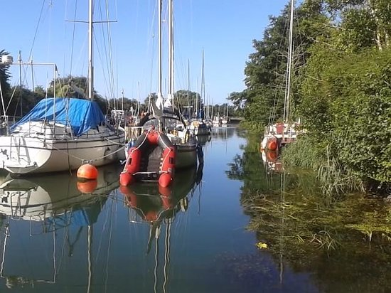The George Inn & Millingbrook Lodge: Nearby Lydney Harbour