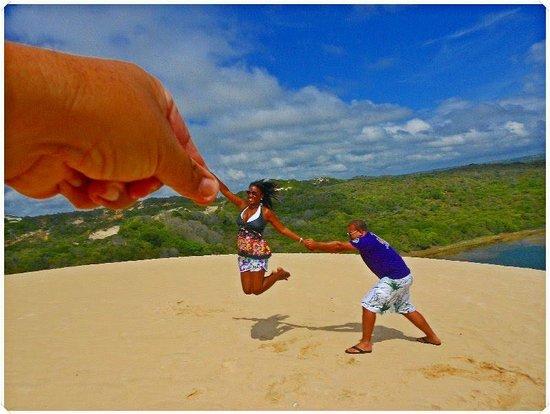 Genipabu, RN: Foto maneira nas dunas