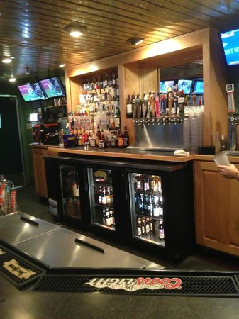 O'Neill's Grill: Nice Bar