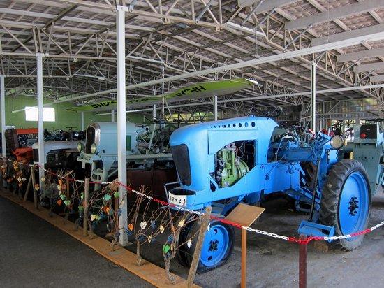 Château de Savigny-lès-Beaune : Collection de tracteurs
