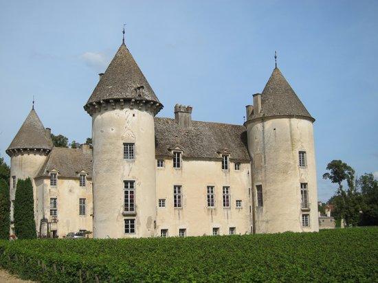 Château de Savigny-lès-Beaune: Vue d'ensemble
