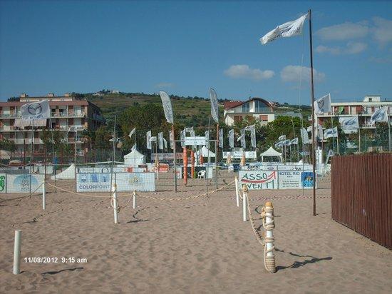 Hotel Residence Adriatico: spiaggia