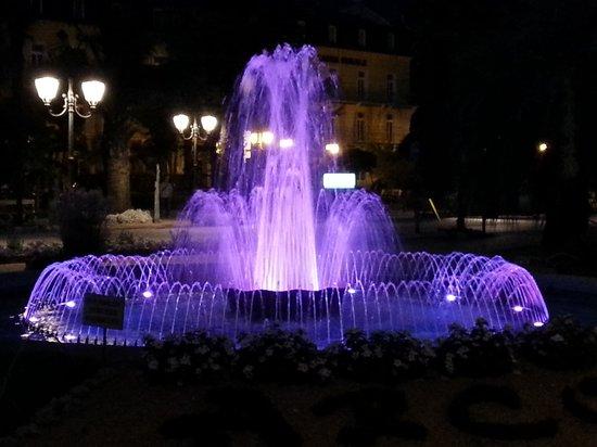 Hotel Olivo : fontana cromatica