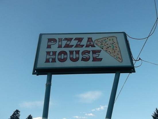 """The Pizza House """"view from outside"""""""