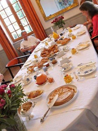 Château de Degrés : breakfast :)