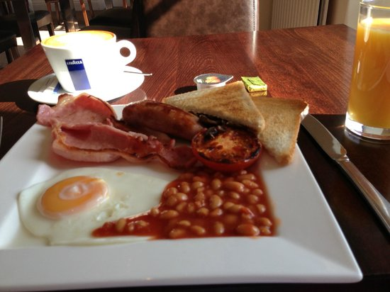 The Yacht Inn: Full English breakfast, cooked to order.