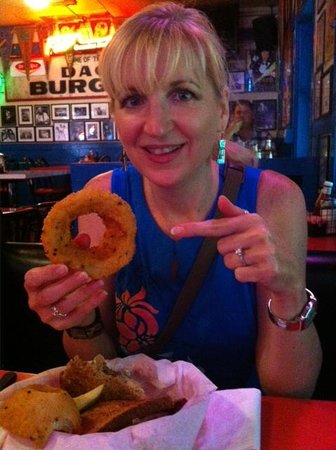 Hut's Hamburgers : Onion rings as big as your hand!