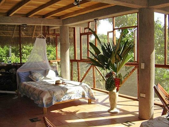 Ecuador Chocolate Lodge : One of the rooms with view on river Napo.